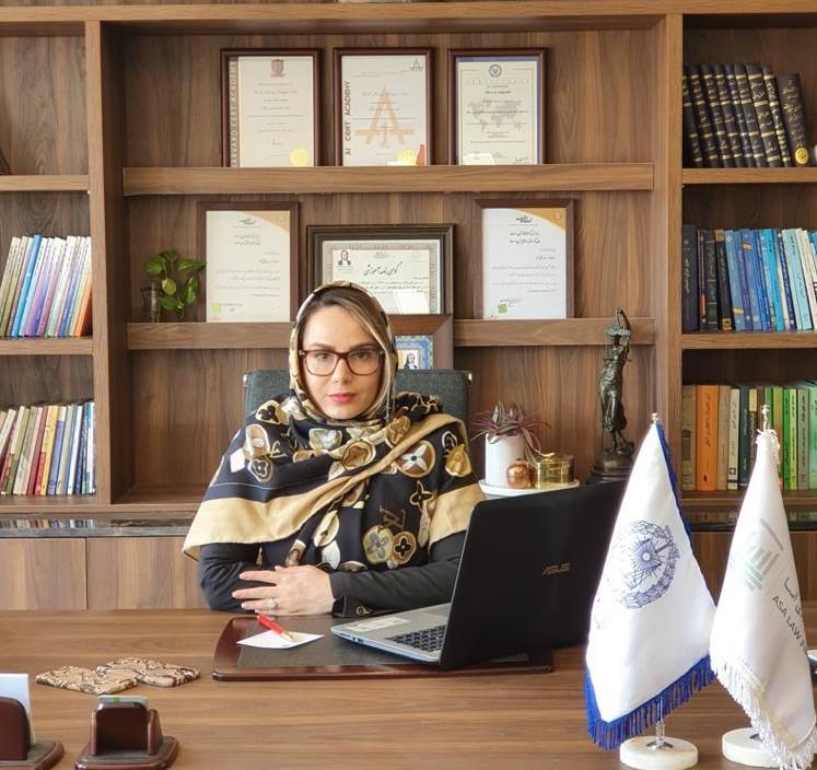 وکیل خانم سعادت آباد